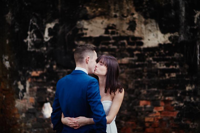 plener w ruinach - fotografia ślubna